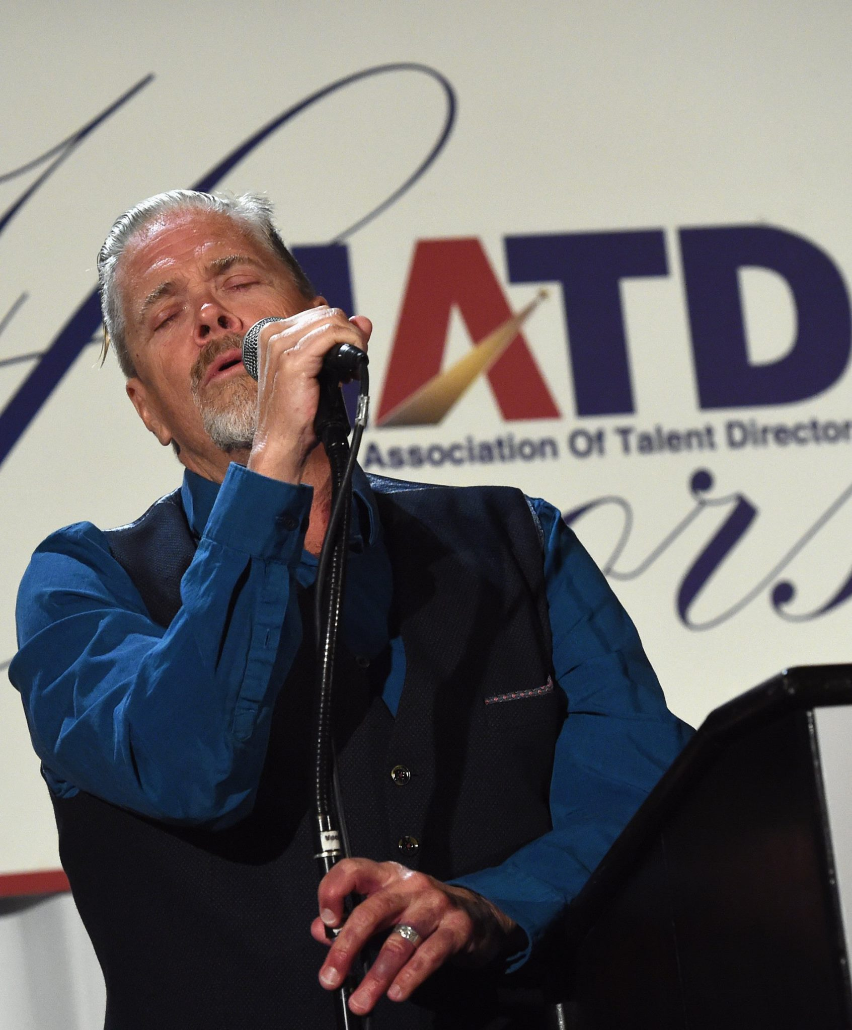 Singer/Songwriter John Cowan performs for Honoree Leon Russell
