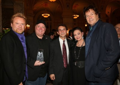 Lee Roy Parnell, Kirt Webster, Bill Gatzimos, Crystal Gayle & Henry Paul